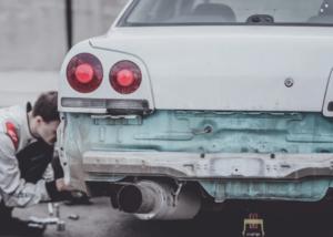 avtokleparstvo je bistveno za popravila karoserije